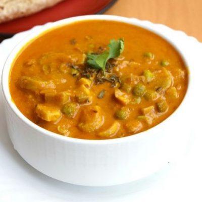 Mushroom & Peas Curry